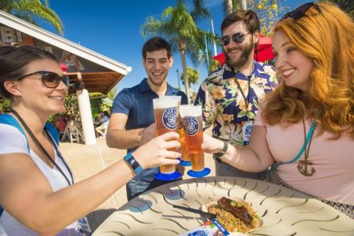 Amigos y familia disfrutarán todos los festivales en el Sea World |  Suites de Staybridge Suites Lake Buena Vista