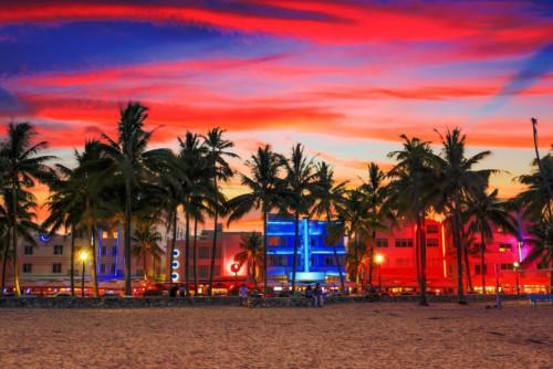 https://suiteness.imgix.net/destinations/miami/bigstock-miami-beach-florida-137645510.jpg?mono=33EBC862&blend=2A303F&shad=90&gam=20&auto=format,compress