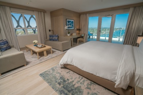 https://suiteness.imgix.net/destinations/miami/nobu-hotel-miami-beach/suites/nobu-villa-two-bedroom/image-1-png.png?w=96px&h=64px&crop=edges&auto=compress, formato