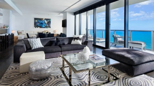 https://suiteness.imgix.net/destinations/miami/w-south-beach/suites/e-wow-suite/w-south-beach-ewow-suite.jpg?w=96px&h=64px&crop=edges&auto=compress,format